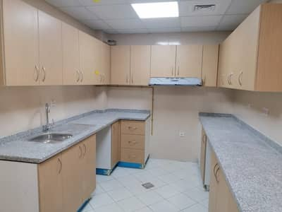شقة 2 غرفة نوم للايجار في ند الحمر، دبي - شقة في ند الحمر 2 غرف 54000 درهم - 4540008