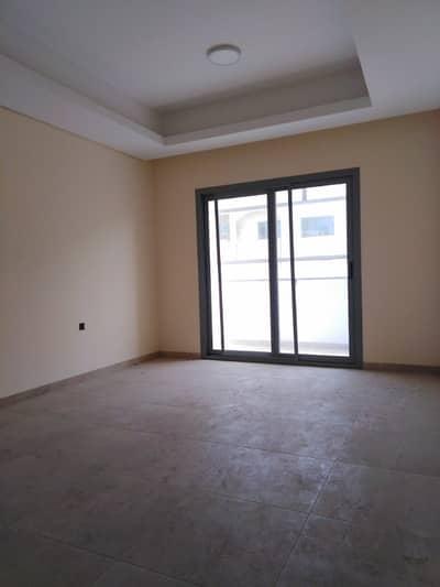 شقة 2 غرفة نوم للايجار في أبو دنق، الشارقة - شقة في أبو دنق 2 غرف 31000 درهم - 4536962