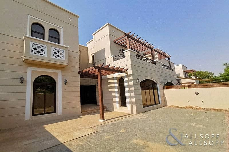 2 4 Bedrooms | Pools and Parks | Maid's Room