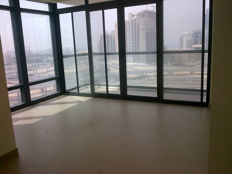 9 Spacious Unit with Lake View on Higher Floor