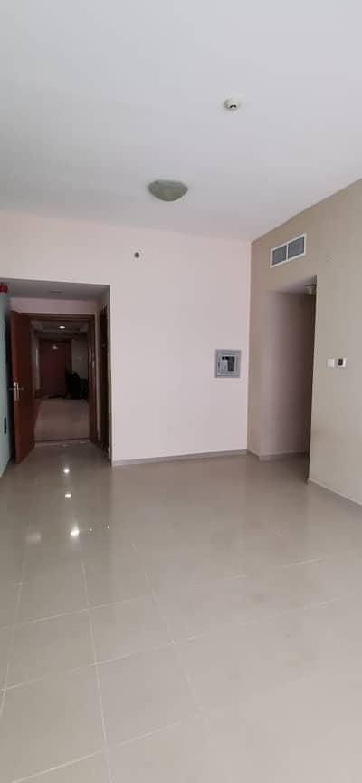شقة 1 غرفة نوم للايجار في عجمان وسط المدينة، عجمان - شقة في أبراج لؤلؤة عجمان عجمان وسط المدينة 1 غرف 20000 درهم - 4540642