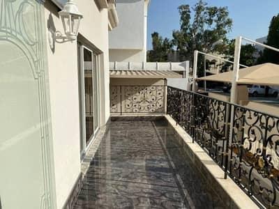 Luxury / Villa / Nice Finishing / 5 Br/ Maid / Driver Room