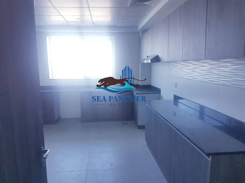 2 SPACIOUS 3 BHK WITH MAIDS  & LAUNDRY ROOM | ARJAN