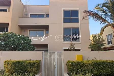4 Bedroom Townhouse for Rent in Al Raha Gardens, Abu Dhabi - Astonishing 4 BR Type A Townhouse In Muzera