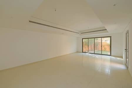 4 Bedroom Villa for Rent in Abu Dhabi Gate City (Officers City), Abu Dhabi - Spacious 4 Bedroom Villa - 6 Payments Accepted!