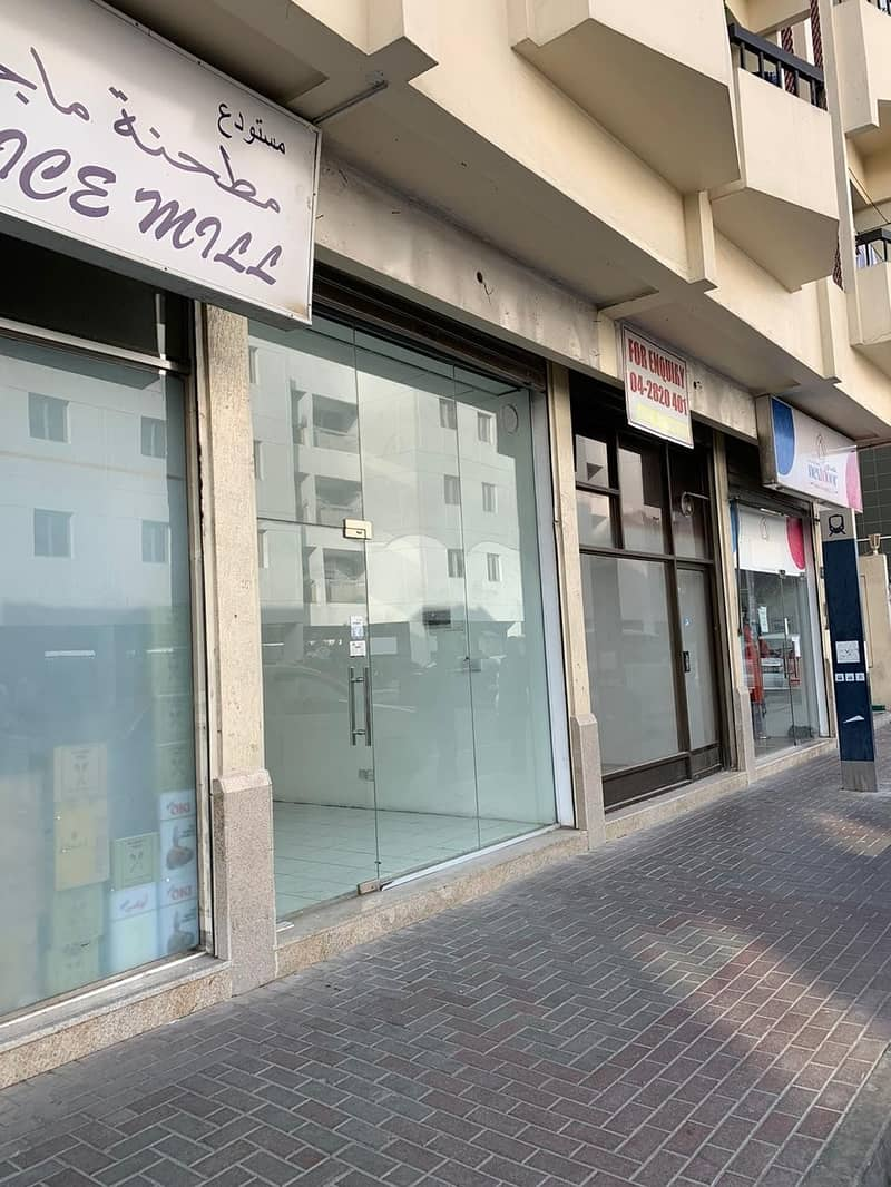 2 Cazy showroom available for rent in Al Kifaf