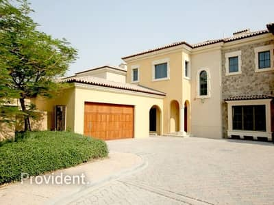 4 Bedroom Villa for Sale in Jumeirah Golf Estate, Dubai - Lovely 4 B/R Murfield type with Private pool