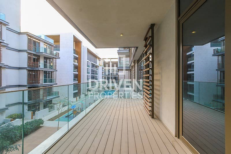 17 Pool View | High floor | Lovely apartment