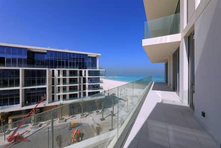 فلیٹ 4 غرف نوم للايجار في جزيرة السعديات، أبوظبي - High End Brand New Building ! 4 Beds - Sea View!!!