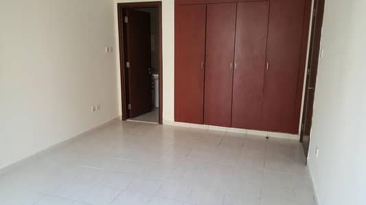 ONE BEDROOM APARTMENT FOR RENT IN SPAIN CLUSTER READY TO MOVE NEAT CLEAN