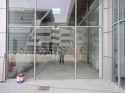 محل تجاري  للايجار في الخبيصي، دبي - Retail | Near Metro Abu Baker | Road View