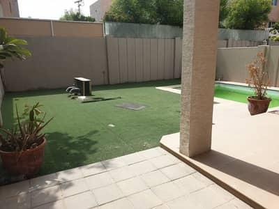 فیلا 5 غرف نوم للايجار في الريف، أبوظبي - Well Maintained Villa with Private Swimming Pool!!