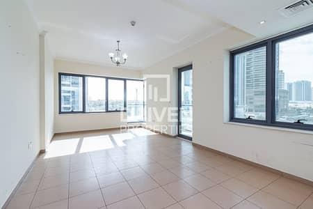 فلیٹ 2 غرفة نوم للايجار في مدينة دبي الرياضية، دبي - Spacious and Bright 2 Bed | Fitted Kitchen