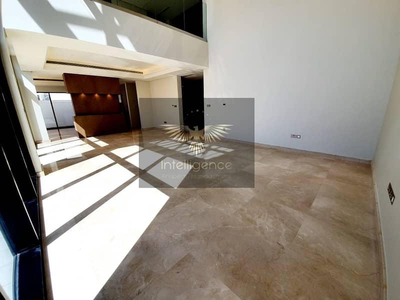 A corner villa perfect for your next dream home!
