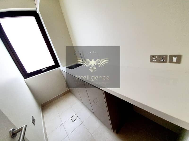 2 A corner villa perfect for your next dream home!