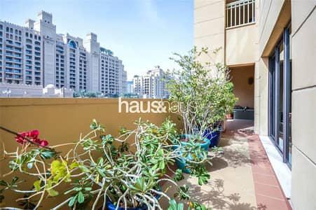 2 Bedroom Apartment for Sale in Palm Jumeirah, Dubai - New listing | Exclusive | Extended terrace