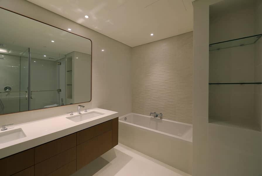 15 Premium Residential Apartment -4 Beds - Sea View!