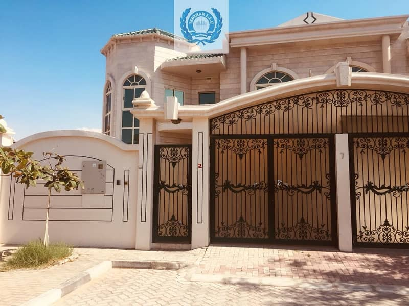 25 Lavish Five Bedroom Villa With Pool & Basement Majlis in Al Falaj