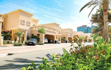 فیلا 3 غرف نوم للايجار في واحة دبي للسيليكون، دبي - فیلا في فلل السدر واحة دبي للسيليكون 3 غرف 138000 درهم - 4386351