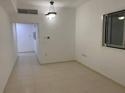 1 Bedroom Apartment for Rent in Deira, Dubai - WEEKEND OFFER FOR SHARING  NEAR RIGGA METRO LUXURY 1BHK WITH 2 BATHS CLOSE KITCHEN MASTER BED WITH WARDROBES 40K 4 CHQ.