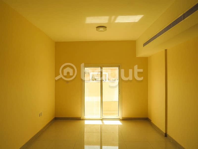للايجار شقة 1 غرفة وصالة  في موقع مميز جدا على شارع الشيخ عمار بن حميد- بسعر مغري مع شهر مجاني