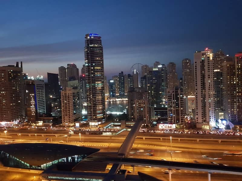 HUGE 1 BED FULL SZR VIEW VERY NEXT TO METRO STATION