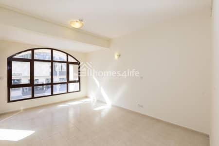 شقة 2 غرفة نوم للايجار في قرية جميرا الدائرية، دبي - Huge 2BR Duplex Apartment | Small Garden