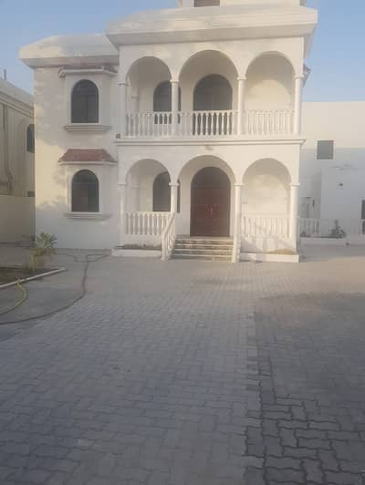 4 Bedroom Villa for Rent in Al Goaz, Sharjah - 3