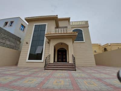 6 Bedroom Villa for Sale in Al Rawda, Ajman - For sale, one of the most prestigious villas in Ajman Market, the villa consists of 6 rooms, a main villa, opposite the mosque