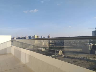 1 Bedroom Penthouse for Rent in Jumeirah Village Circle (JVC), Dubai - Grand Size Balcony with 1 Month Free and Kitchen Appliances