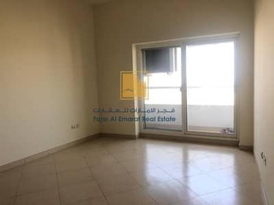 3 Bedroom Flat for Rent in Al Khan, Sharjah - Sea view  3 Bedroom appartment for rent in Sharjah Al-Khan