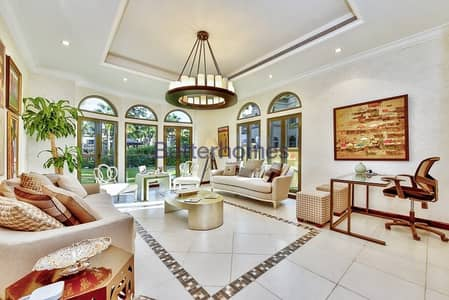4 Bedroom Villa for Sale in Palm Jumeirah, Dubai - Independent Villa  Vacant  Best Location