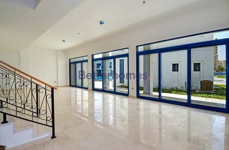 4 Bedroom Villa for Rent in Palm Jumeirah, Dubai - Full Pool View   Unfurnished   Luxury Villa