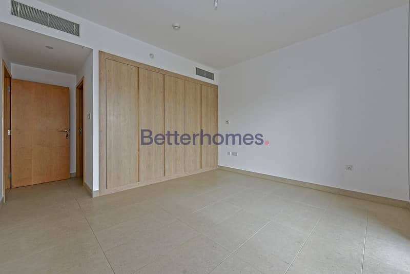 10 Spacious and bright unit with storage in Al Zeina