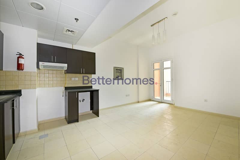 2 Vacant   Community View   Cozy   Summer