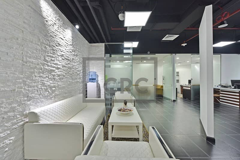Fitted Office High Floor Close to Metro
