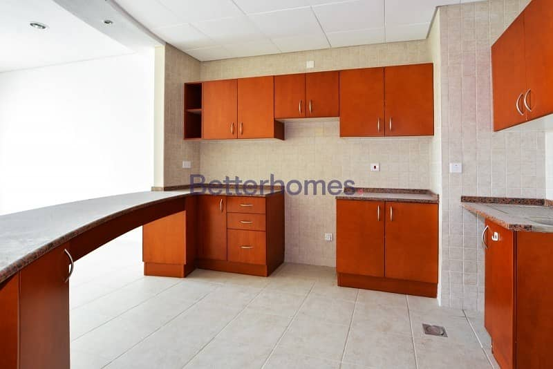 2 Well maintained | Negotiable | Storage | Park