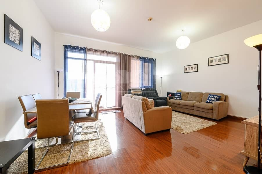 Cozy  3 Bed plus Maid Upgraded Motor City