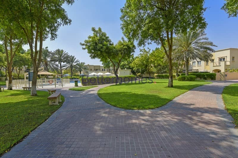 14 Close to SOUK and on the Pool and Park.
