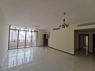 فلیٹ 3 غرف نوم للايجار في الجافلية، دبي - Fully Renovated Apartment ... Huge Size ... Close to Metro Station