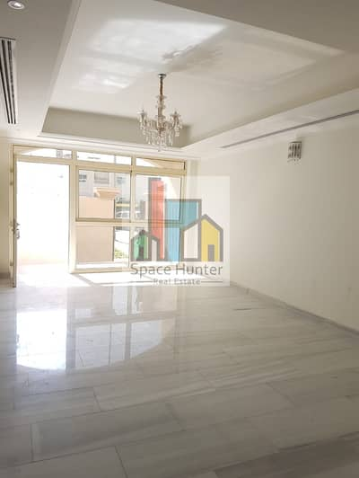 Brand New 6 Bedrooms Triplex Villa for rent in Jumeirah 1