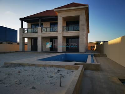7 Bedroom Villa for Sale in Saadiyat Island, Abu Dhabi - Beachfront 7BR w/ Own Pool & Huge Garden