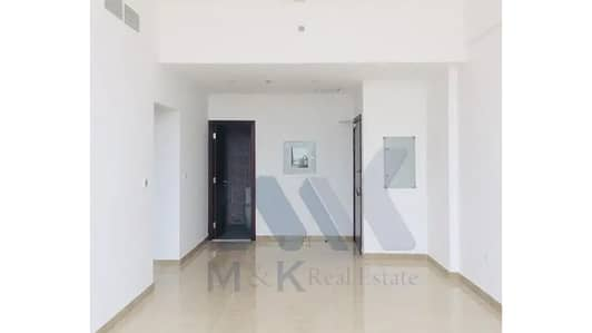 1 Bedroom Apartment for Rent in Ras Al Khor, Dubai - Front View | Huge 1 Bedroom | Closed Kitchen