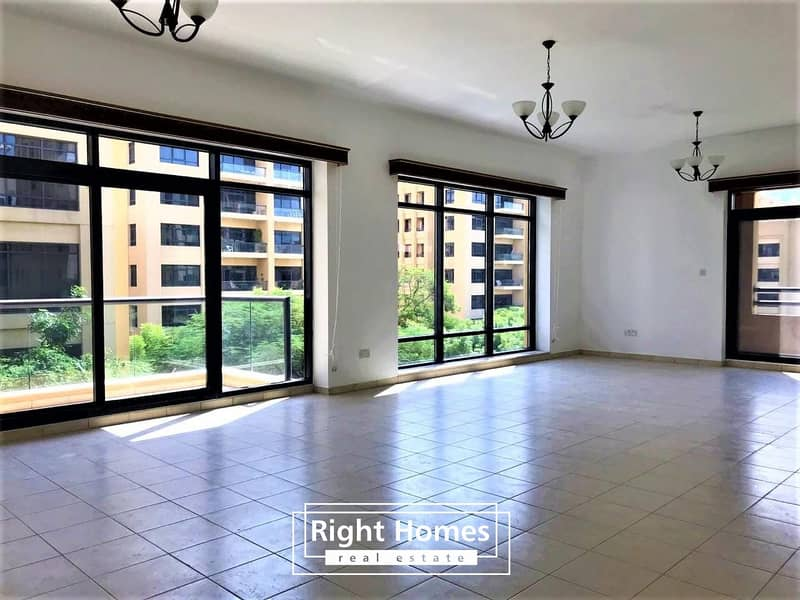 Beautifully Upgraded 4BR Apartment   Good Location   Greens