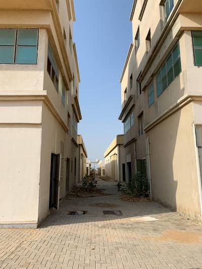 Industrial Land for Sale in Industrial Area, Sharjah - Industrial for sale in Umm al-Quwain, prime location close to services in Umm Al-Thawab