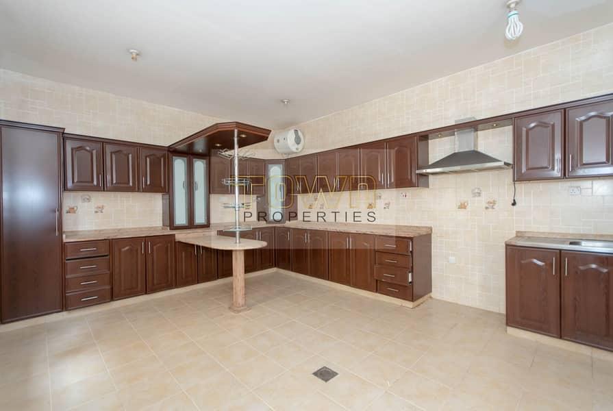15 Spacious & Clean 6 Bedroom Private Villa