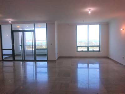Sea View 4 BR in Hana Tower Al Khalidiyah