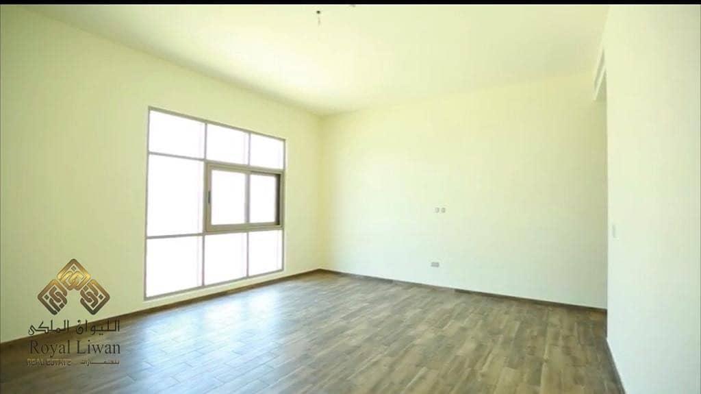 2 Ready 5 Bedroom villa for sale in Furjan
