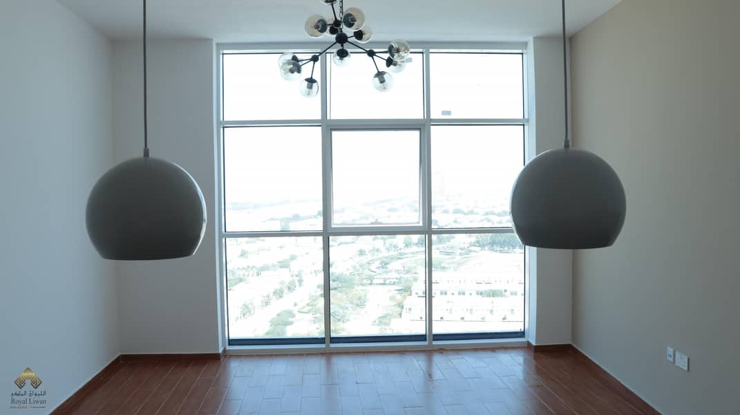 1 Very Bright and High Floor Studio For Rent