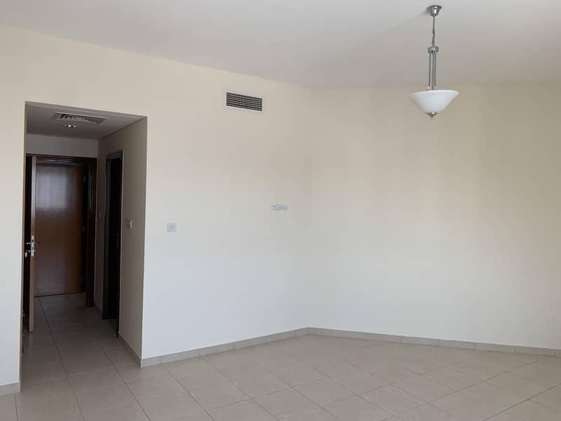 2 Spacious 3Br Apartment at Good Location Al Hudaiba